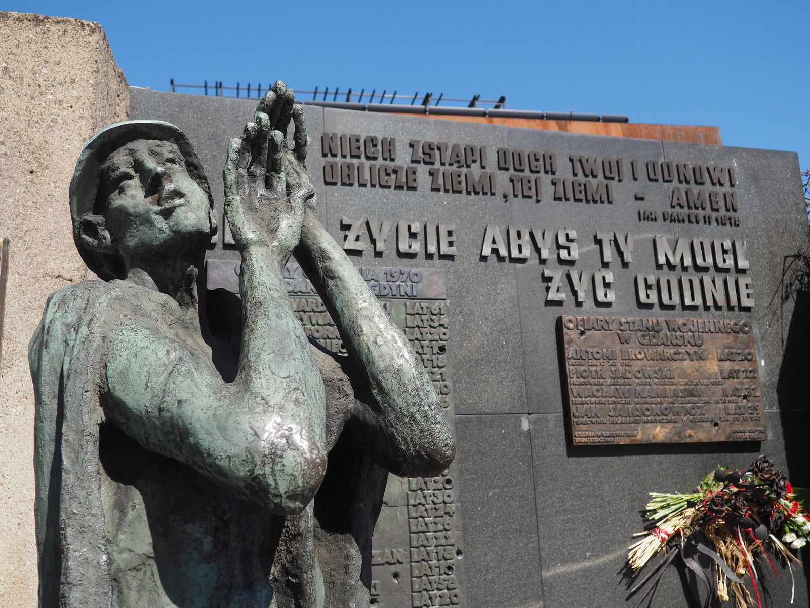 Monument to the Fallen Shipyard Workers, Gdańsk